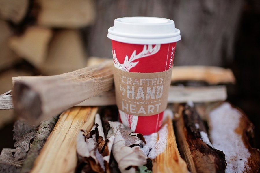 earn free starbucks coffee with christmas spending
